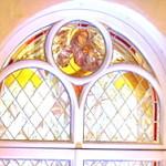 Johanneksen kirkko sai lasimaalaukset