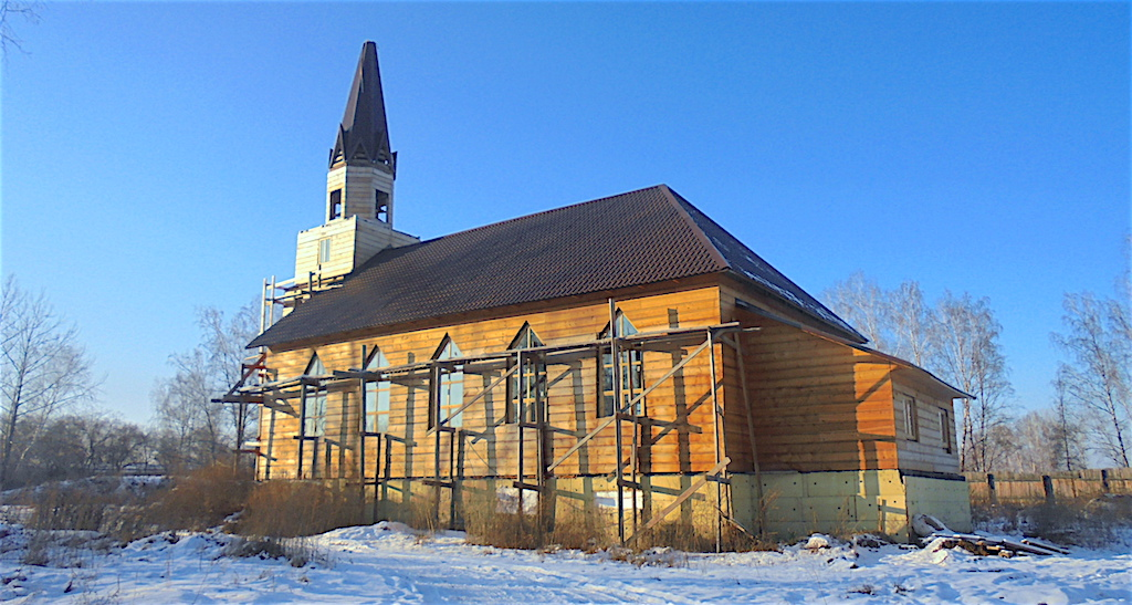 karatusa_kirkko_rakentaminen