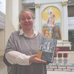 Kirjaesittely Pietarin Pyhän Marian kirkossa