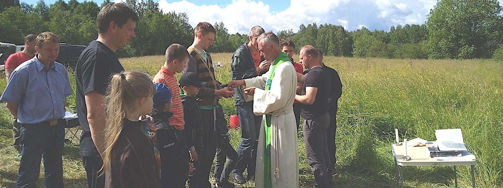 Pietarin rovastikunnan Isät-lapset -leiri Karjalassa