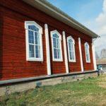 Uudet ikkunat Verhne Suetukin kirkkoon